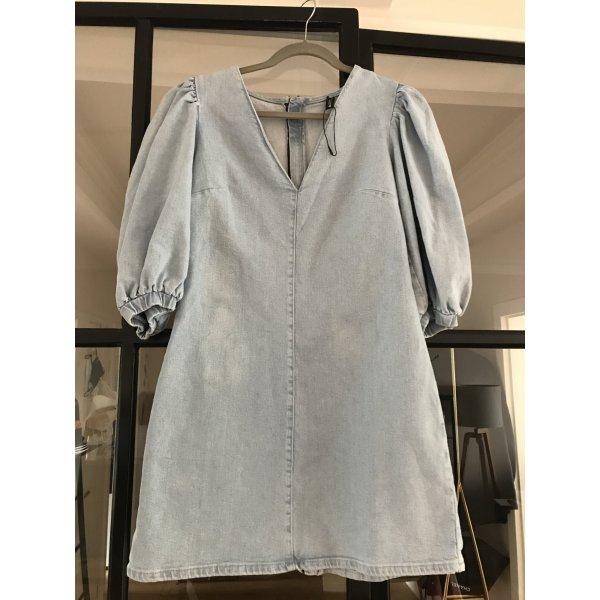 Tolles Denim-Kleid von Zara. Neu ohne Etikett.