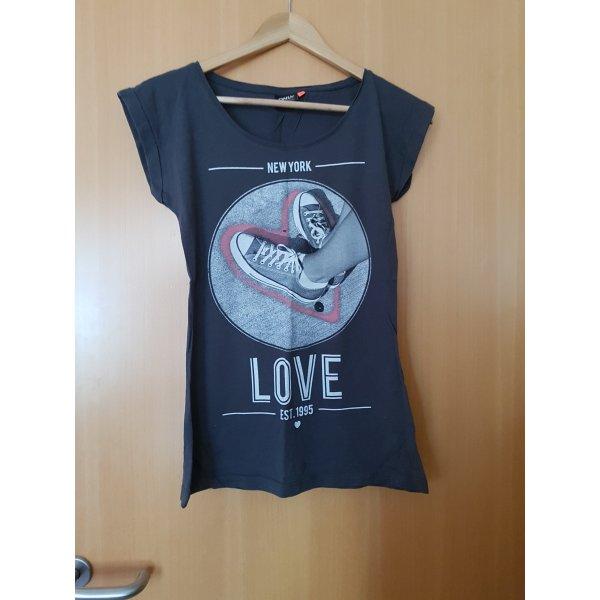 Tolles Only-Shirt mit Aufdruck
