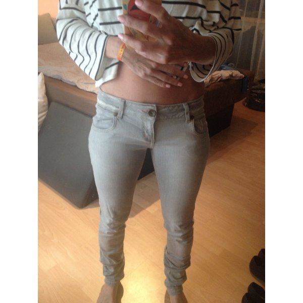 TRF Jeans hellgraue Waschung ca. 26/32 Skinny bleached