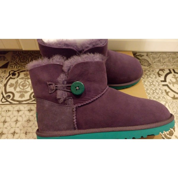 Ugg Australia Mini Bailey Button *** NEU ***