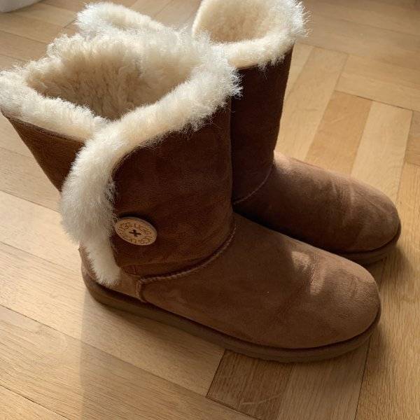 Ugg Boots Bailey Button Chestnut