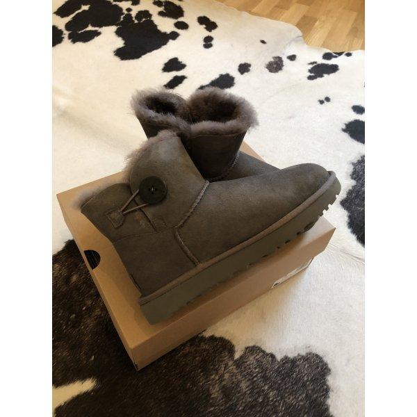 Ugg Boots grau 38 Mode Blogger Fashion Stiefel stiefelletten Mini bailey button