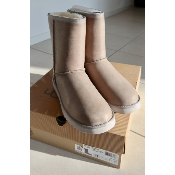 UGG Classic Short Leather - taupe - NEU!