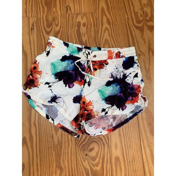 Vero Moda Short Shorts mit sommerlichem Muster