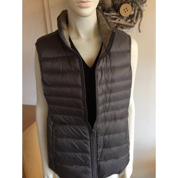 Verschiedene Daumen Jacke mit halben Arm die weinrote Jacke ist schon verkauft!!!!