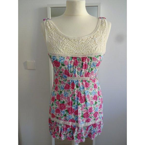verträumtes Kleidchen rosen spitze volants