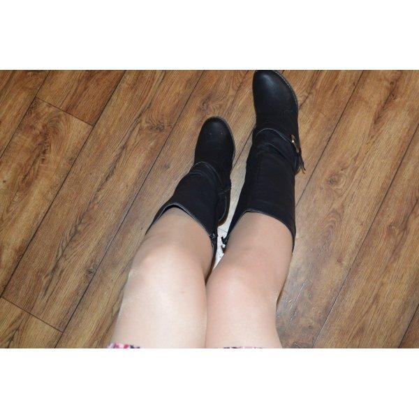 Warmer Kleiabsatz Stiefel Gr. 38 von Jumex