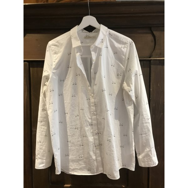 Weiße Bluse mit Katzenmotiv von ArmedAngels