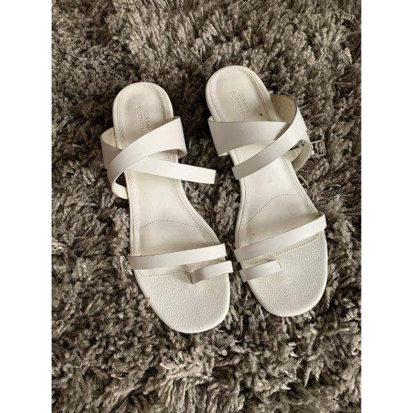Weiße Sandalen von Urban Outfitters