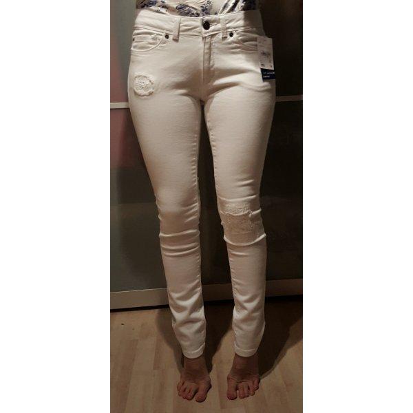 weiße Skinny Jeans im used look
