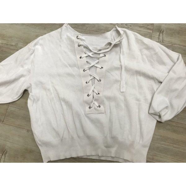 Weißer Pullover mir Bändern