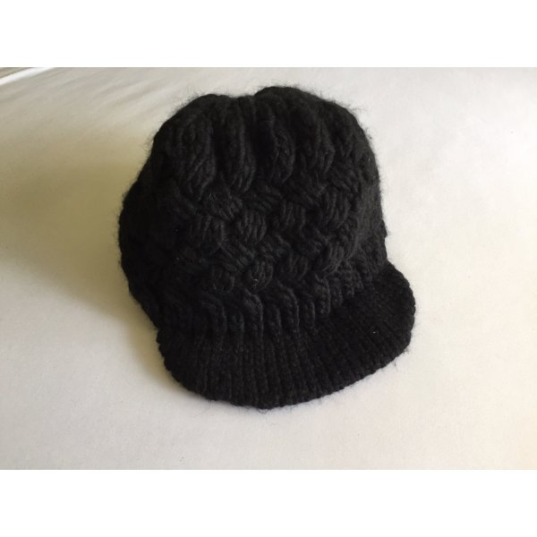 C&A Knitted Hat black