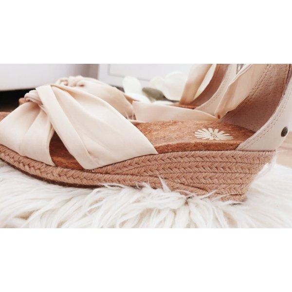 Wunderschöne Ugg Austrailia Sandalen Schuhe mit Keilabsatz Kork Creme Boots Schleife