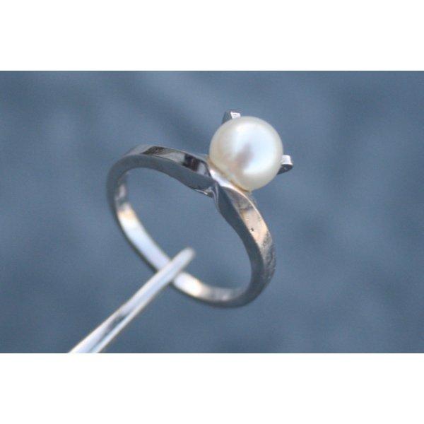 Wunderschöner Ring 10K Weißgold mit Akoya Perle, Perlenring