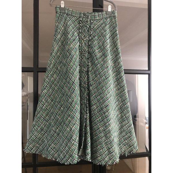 Wunderschöner Rock von Zara im Tweed Look. Neu ohne Etikett.