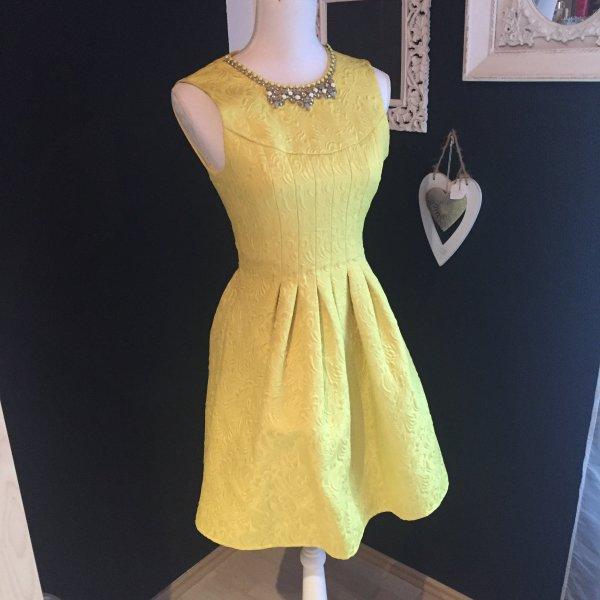 Wunderschönes gelbes Kleid