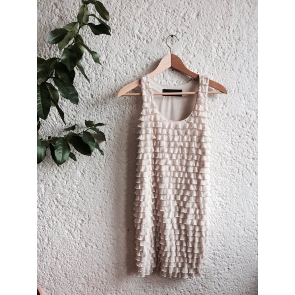 Wunderschönes Partykleid mit Rüschen-Volant
