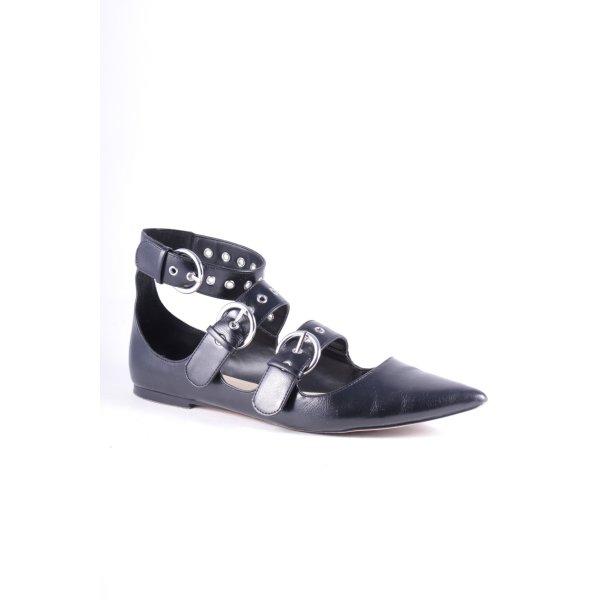 Zara Basic Ballerinas mit Spitze schwarz Street-Fashion-Look