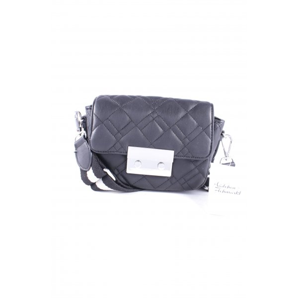 Zara Basic Minitasche schwarz Steppmuster Street-Fashion-Look