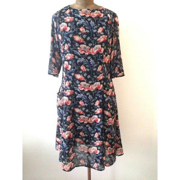 Zara Blumen Kleid mit Rückenausschnitt Sommerkleid flowers floral