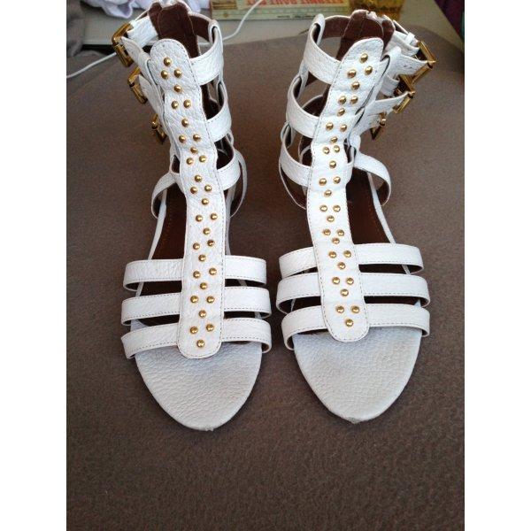 Zara Gladiator-Sandalen in weiss mit goldenen Nieten