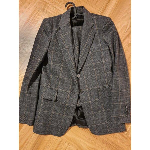 ZARA Herbst/Winter Anzug - kommt mit XS Blazer und S Hose