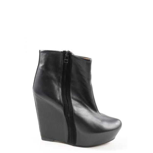 Zara Keil-Stiefeletten schwarz Casual-Look
