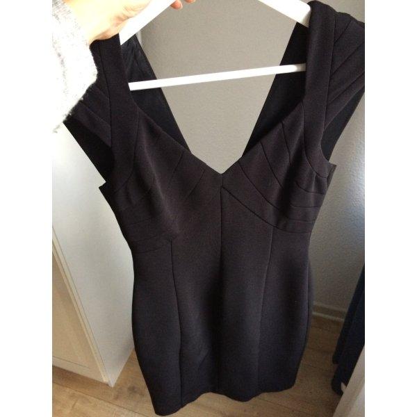 Zara Kleid schwarz tailliert Größe S