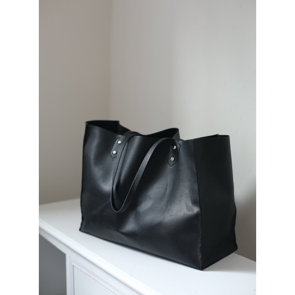 zara schwarze shopper tasche kunstleder schwarz xxl. Black Bedroom Furniture Sets. Home Design Ideas
