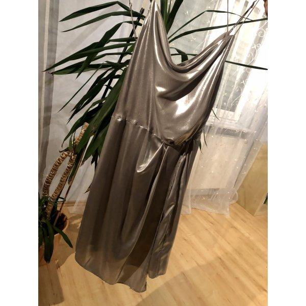 Zauberhaftes Metallic Kleid