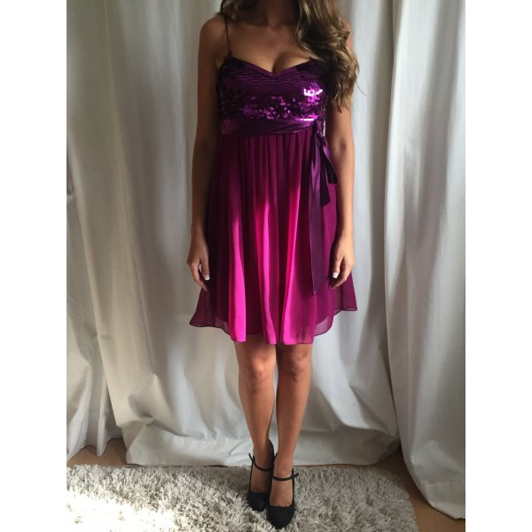 Zauberhaftes Pailletten-Kleid